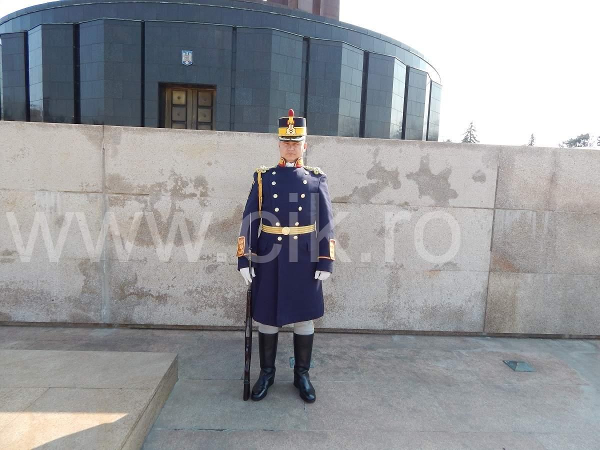 soldat parcul carol