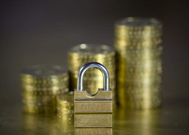 lacat securitate bani