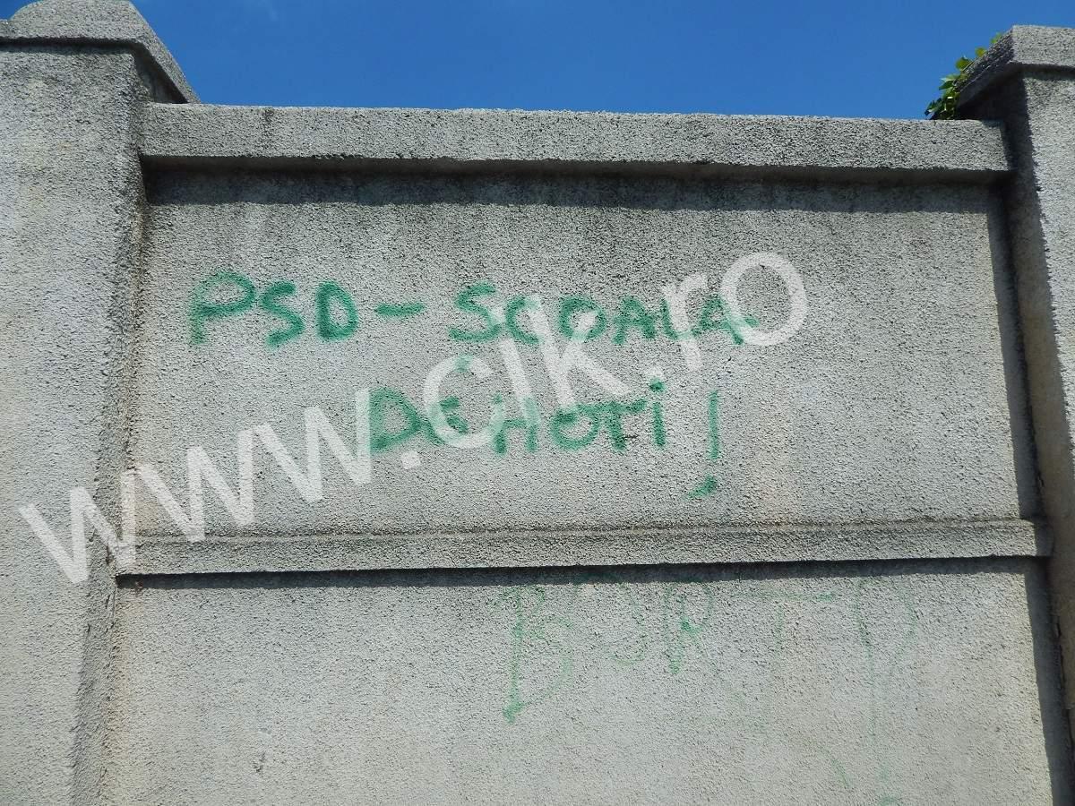 mesaj zid psd