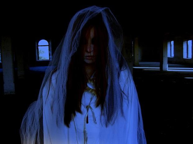 Geokjeongma Seyo, Gwisinibnida - Don't Worry, I'm a Ghost