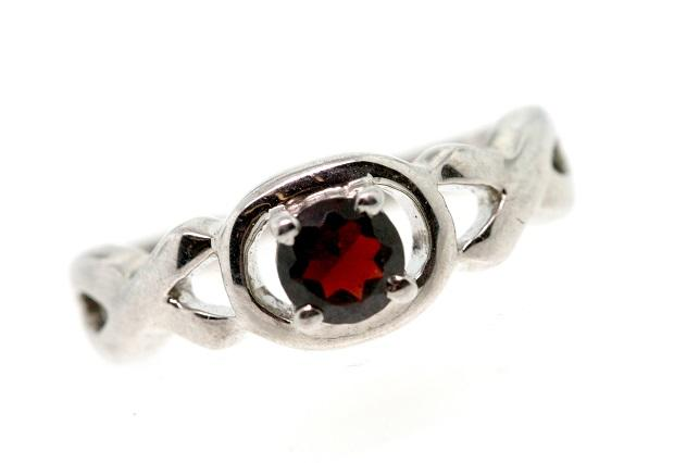 Rubi Banji Ruby Ring