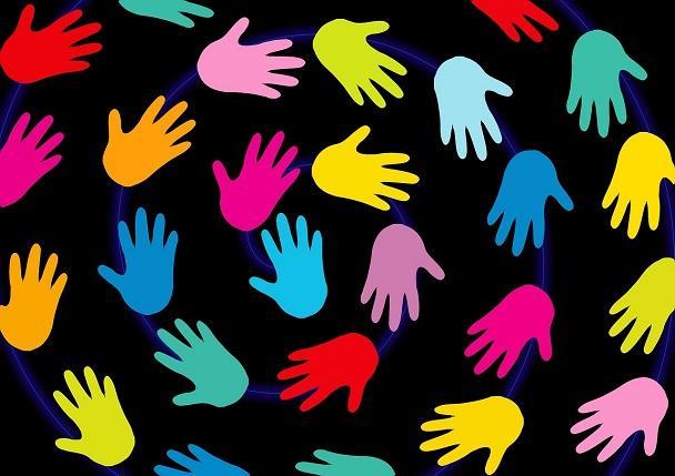 multe maini