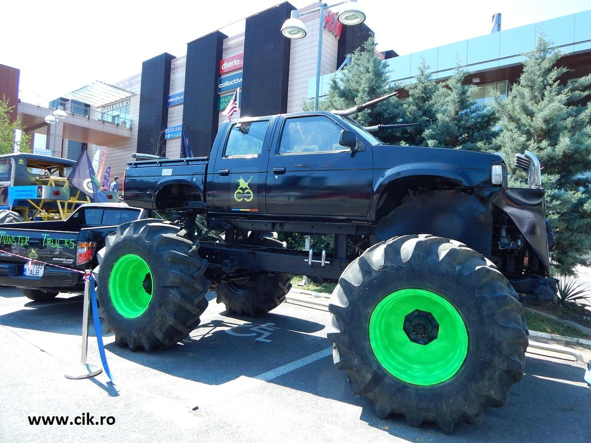 monster truck Retro American Muscle Cars 2015