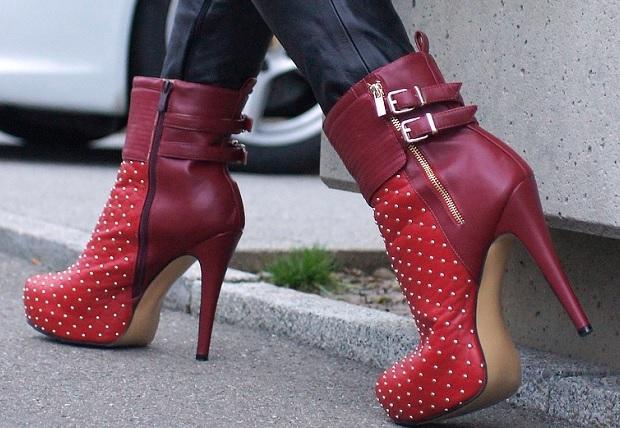 Her-Lovely-Heels