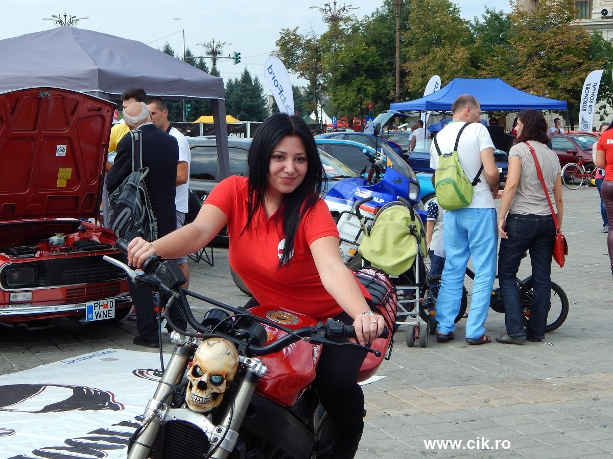 fata hooligans Show Auto Moto