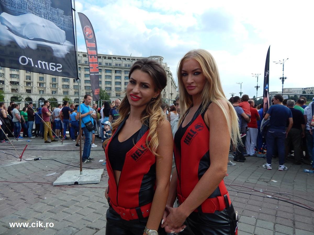 hostess hell Show Auto Moto