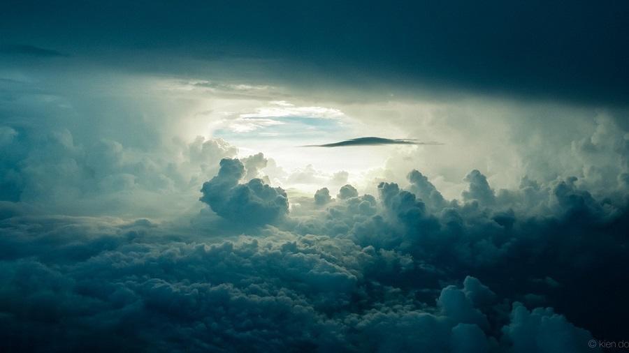 Astazi zbor pe un nor