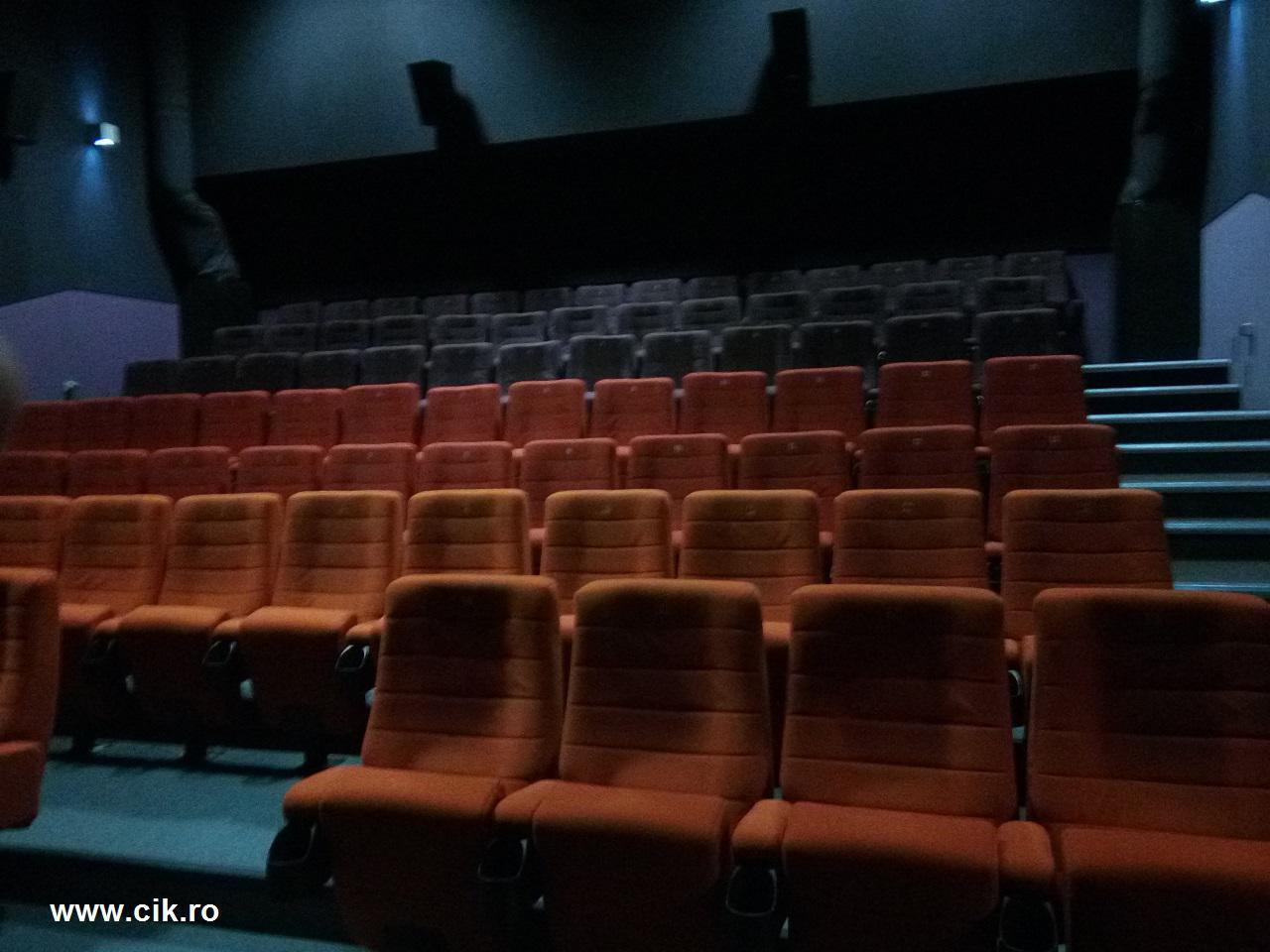 cum sunt scaunele la happy cinema